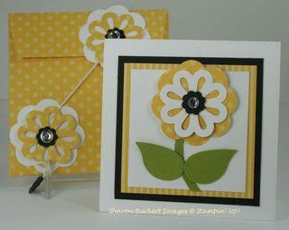 Daffodil triple layer punch flower 3x3